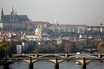 Pražský Hrad a Zoo ještě nedávno v roční evidovatelné návštěvnosti bojovaly o první příčku a obě místa měla čísla přes milion.