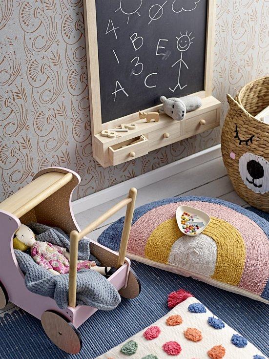 Pokojíček pro holčičky.