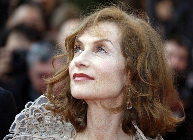 Prezidentkou letošní festivalové poroty je křehká hvězda francouzského filmu Isabelle Huppert, proslulá třeba svou rolí v mnohokrát oceněné Krajkářce.