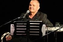 """Odvážní. Takoví jsou muzikanti slavné slovenské pop rockové skupiny Elán, naše idoly ze 70. a 80. let, dnes už """"jen"""" trio v čele se zpěvákem i autorem řady hitů Jožo Rážem (na snímku)."""