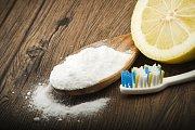 Jedlá soda s citronem si poradí i s plísní