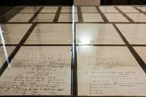Univerzita zveřejnila dosud nepublikované Einsteinovy rukopisy