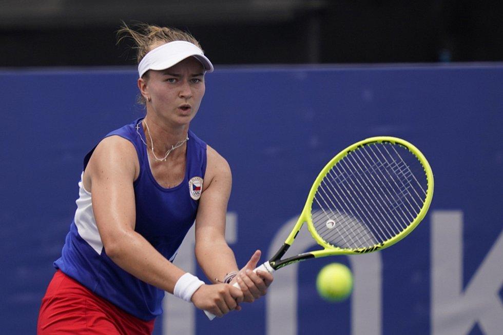 Tenistky Barbora Krejčíková, Karolína Plíšková a Markéta Vondroušová postoupily na olympijském turnaji v Tokiu do osmifinále,