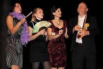 Ve čtvrtek sehráli herci z Divadla hudby v Nymburce premiéru hry Jak ulovit knížete.