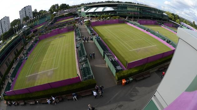 Dvorce v All England Clubu, dějišti Wimbledonu.