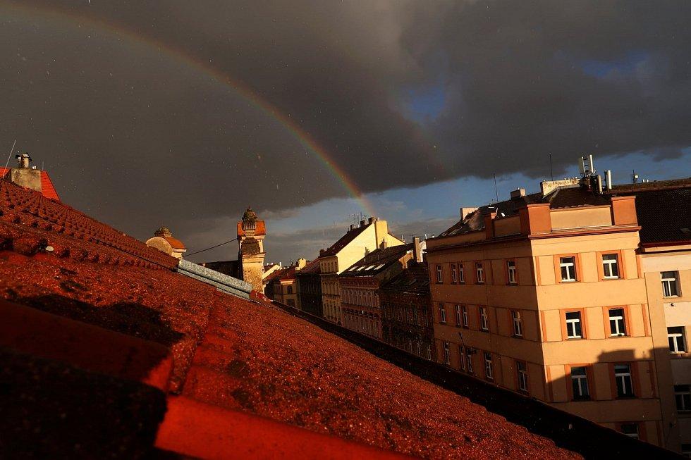 Duha nad Prahou