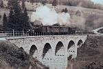 Železniční viadukt v krušnohorském Perninku (fotografie informační tabule).