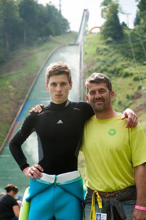 Jaroslav Sakala (vpravo) se synem Filipem.
