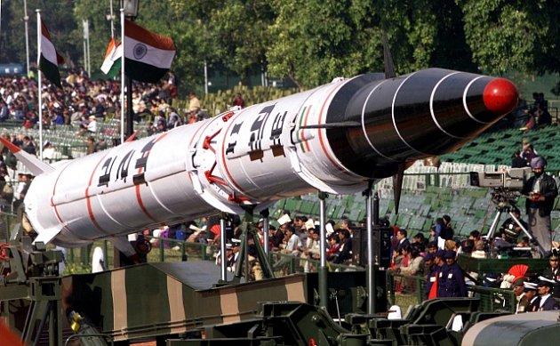 Raketa Agni II
