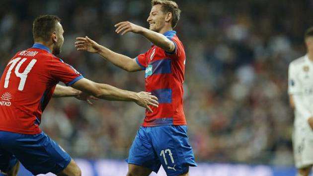 Real Madrid – Viktoria Plzeň. Patrik Hrošovský přesnou trefou k tyči snížil na konečných 1:2.