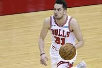 Basketbalista Tomáš Satoranský v dresu Chicaga