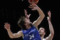 Jan Veselý předvedl proti Srbsku double double, ale nestačilo to