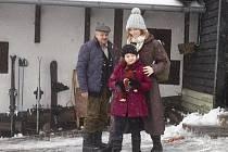 Z NATÁČENÍ. Oldřich Vlach, Aňa Geislerová a Ema Švábenská.