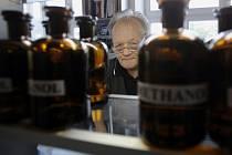 Nejvýznamnější český chemik Antonín Holý se zasloužil o vývoj léků na HIV, žloutenku nebo pásový opar.