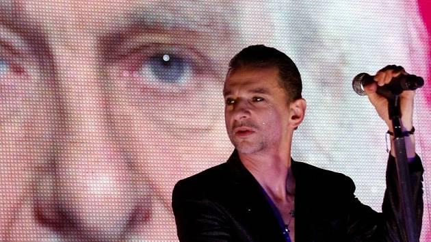 Britská skupina Depeche Mode vystoupila 14. ledna 2010 v pražské O2 Areně.