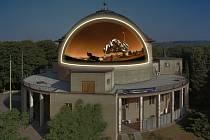 Planetárium Praha s velkoformátovou projekcí povrchu Marsu, připravenou k jeho 55. narozeninám před pěti lety