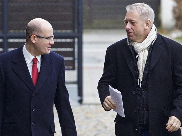 Vedení sociální demokracie přichází na jednání s Ano 23. listopadu v Průhonicích.