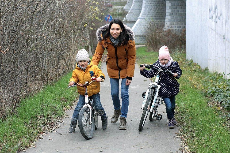 Koučka a mentorka Nikola Šraibová neopomíjí rodinné mikrorituály jako pravidelné společné procházky a večeře.