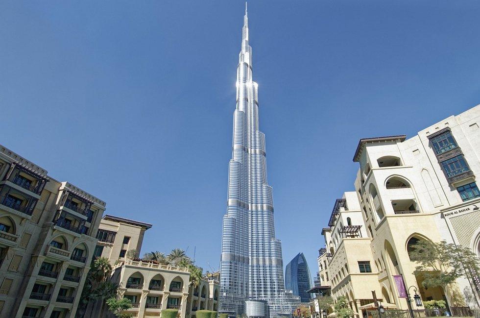 Nejvyšší budovou světa je Burdž Chalífa v Dubaji.