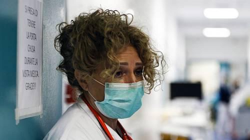 Zdravotnice (na snímku z 30. března 2020) v nemocnici Santo Spirito v Římě