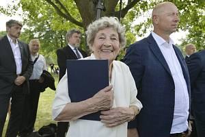 V Lidicích na Kladensku si lidé 15. června 2019 při pietním aktu připomněli 77 let od vyhlazení obce nacisty. Na snímku je Marie Šupíková, která jako dítě tragédii přežila