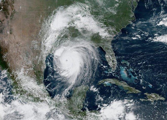 Hurikán Laura u amerického pobřeží.