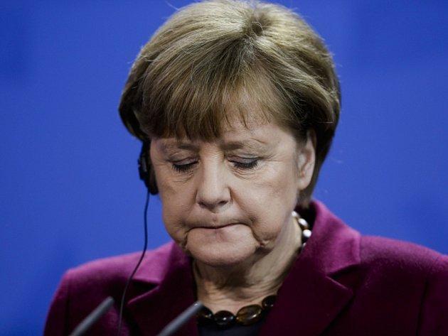 Německá kancléřka Angela Merkelová podporuje vytvoření bezletové zóny v části Sýrie, která by sloužila jako bezpečné útočiště pro uprchlíky uvnitř země.