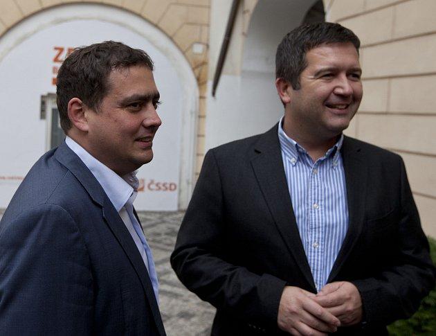 Čekání na výsledky Voleb 2017 - štáb ČSSD v Lidovém domě, Jan Hamáček a Petr Dolínek.