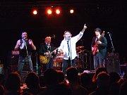 The Pretty Things na koncertě ve Francii v roce 2008