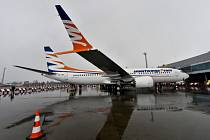 Letoun Boeing 737 MAX 8 společnosti SmartWings na Letišti Václava Havla v Praze.