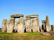 TAJEMSTVÍ POD POVRCHEM. Výzkum okolí Stonehenge odhalil mnoho dalších staveb, o kterých se nevědělo.