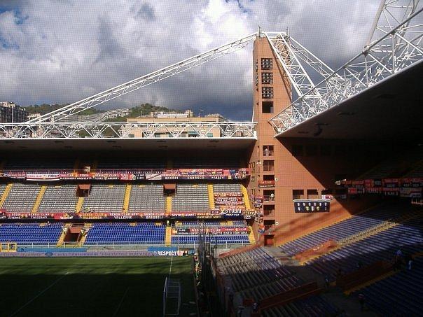 Stadio Luigi Ferraris při zápase FC Janov - SK Slavia Praha
