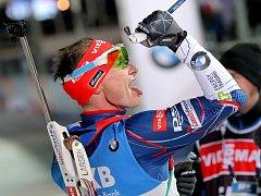Spokojený Ondřej Moravec v cíli sprintu SP v Novém Městě na Moravě.