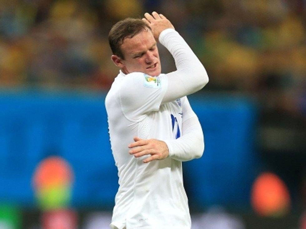 Kanonýr Anglie Wayne Rooney se proti Itálii neprosadil.