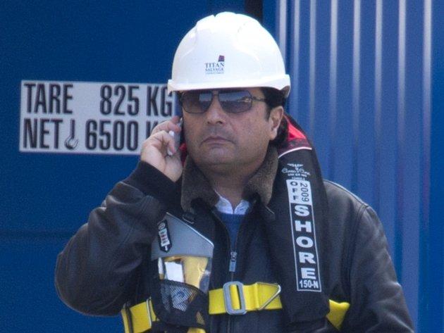 Obžalovaný kapitán Schettino navštívil vrak ztroskotané lodi Costa Concordia.