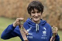 Rychlobruslařka Martina Sáblíková se medailovou zlatou sbírkou.