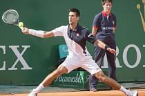 Novak Djokovič si bude muset dát kvůli zraněnému zápěstí od tenisu na chvíli pauzu.