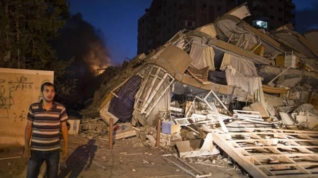 V sobotu padl za oběť leteckého úderu třináctipatrový dům v Gaze.