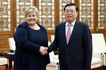 Představitelé Norska a Číny