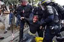 Protesty proti zákoníku práce ve Francii.