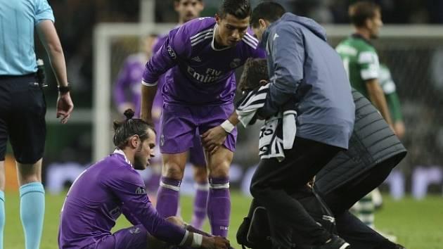Hvězda Realu Gareth Bale možná přijde o ligový šlágr proti Barceloně.