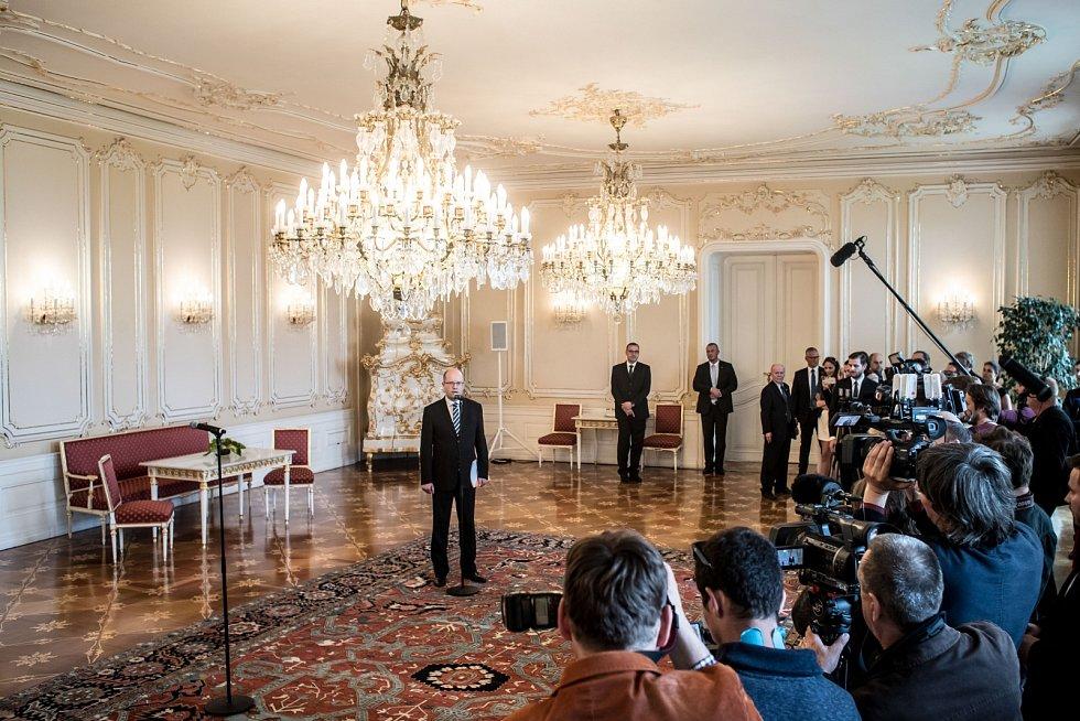 Prezident Miloš Zeman přivítal 4. května na Pražském hradě premiéra Bohuslava Sobotku.