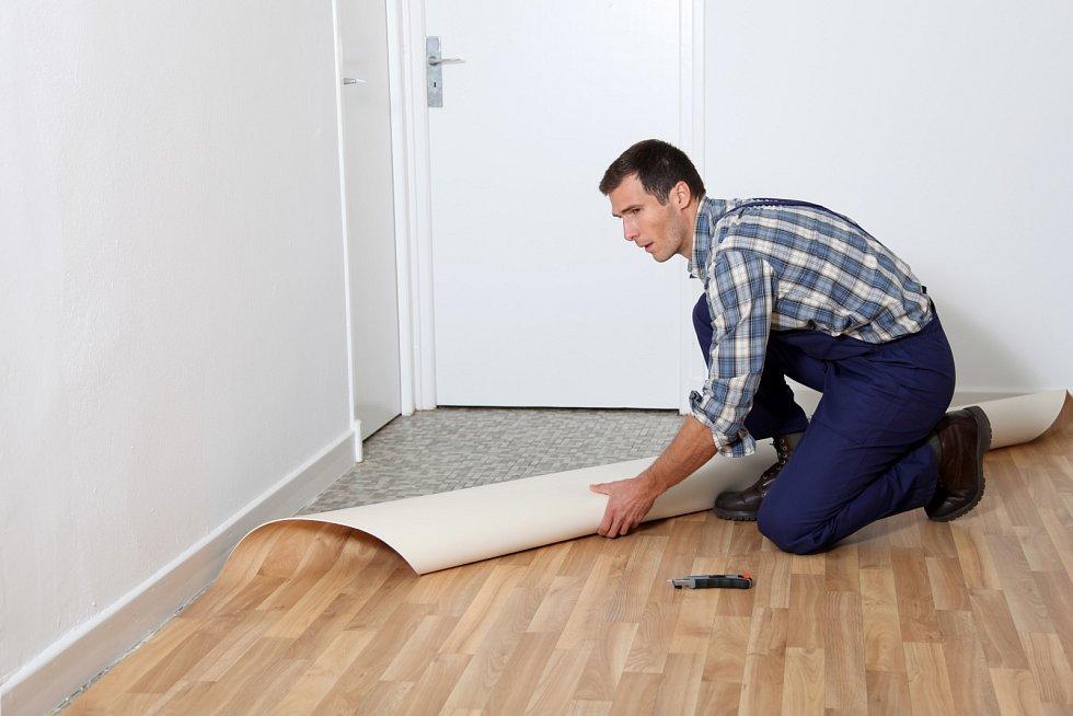 Hledáte podlahu do obydlí, v němž žijí astmatici a osoby trpící na alergie? Vhodným adeptem je přírodní linoleum