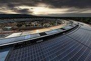 Sídlo firmy Apple ve městě Cupertino v Kalifornii. Zatím je ve výstavbě.