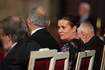 Předávání státních vyznamenání na Pražském hradě. Alena Vitásková.