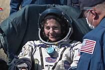 Americká astronautka Jessica Meirová po návratu z Mezinárodní vesmírné stanice (ISS).