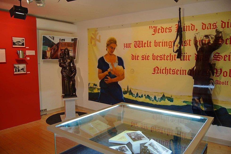 Kromě ústavu Lebensborn byl v Neuenkirchenu i koncentrační tábor. Programem Lebensborn prošly možná až sta tisíce dětí