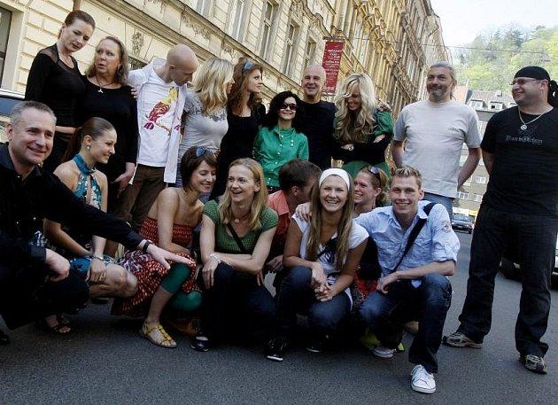 Tisková konference k muzikálové show Šachmat a Nikita aneb taneční skupina UNO