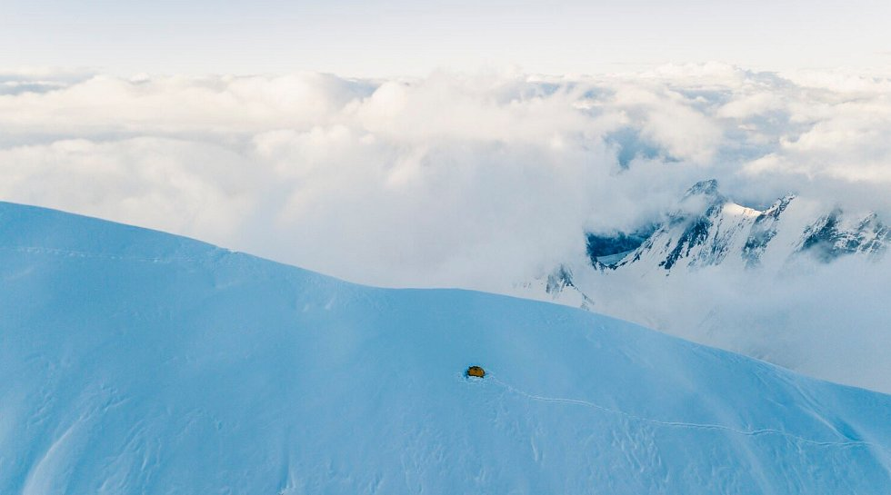 Andrzej Bargiel svůj výstup i sjezd z K2 také patřičně zdokumentoval.