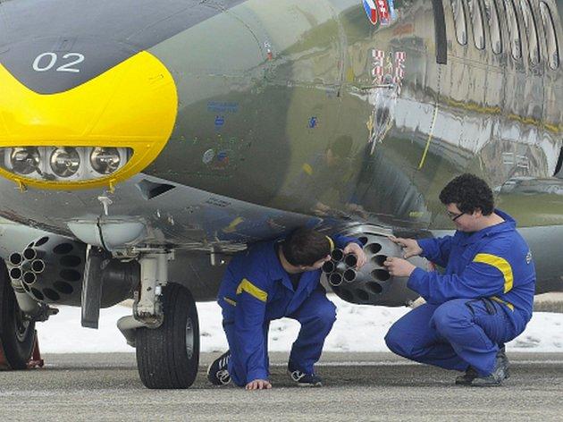 Ministerstvo obrany zrušilo zakázku na šestiletý servis letounů L-410 a leteckých motorů.
